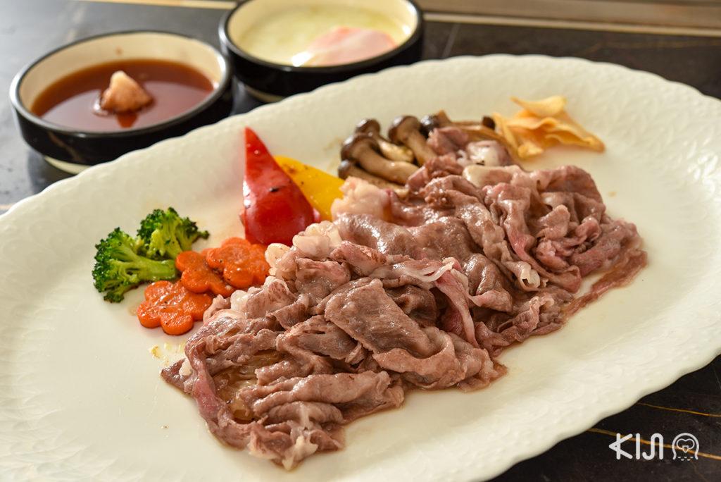 เนื้ออาคิตะจากร้าน Tong Teppan ที่จะมาทำให้มื้อเทปปันยากิสมบูรณ์แบบยิ่งขึ้น