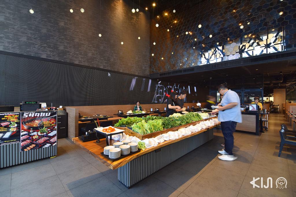 บุฟเฟ่ต์ชาบู Nobu Shabu มีผักและเนื้อให้เลือกได้หลากหลาย