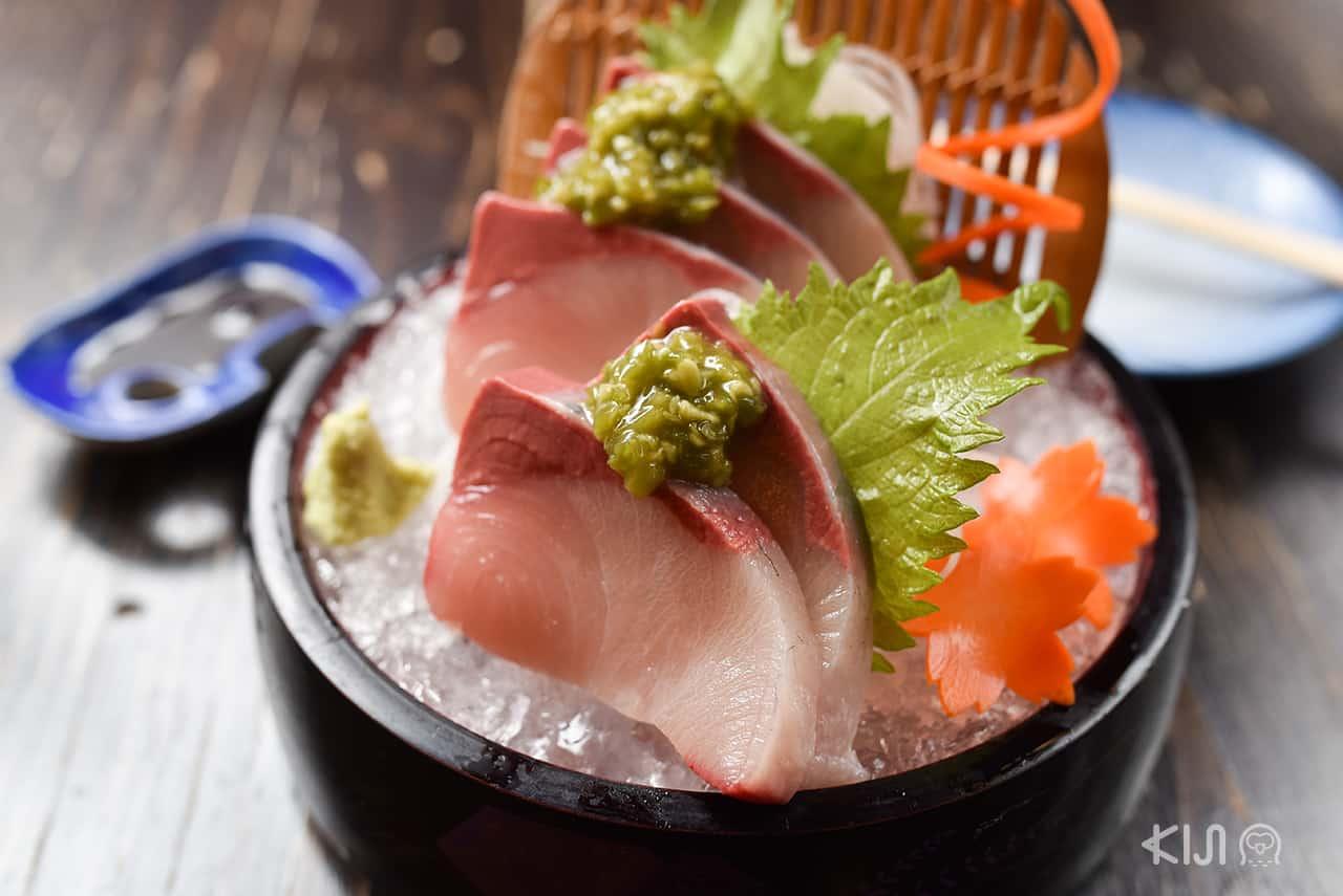 ร้านอาหารญี่ปุ่น Aburi Yatai - Hamachi Sashimi