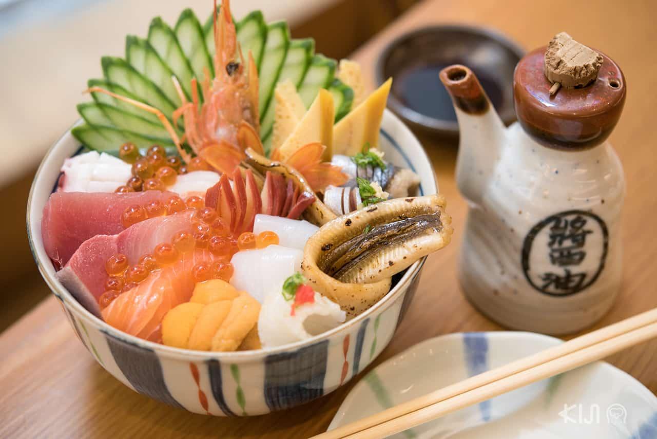 อาหารญี่ปุ่น Hokkai Don Rice Bowl with Seafood from Hokkaido