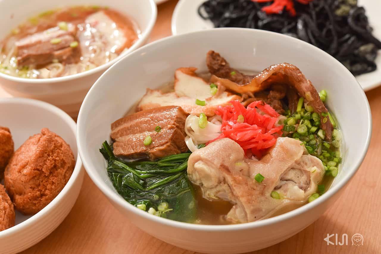 อาหารญี่ปุ่น ที่ Okinawa Kinjo - Uyaki ราเมนสไตล์โอกินาว่า