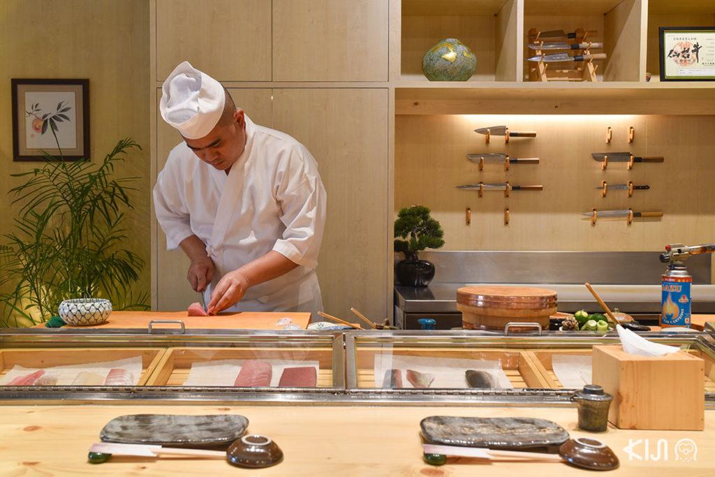 ร้านโอมากาเสะ (Omakase) - The Older Chef