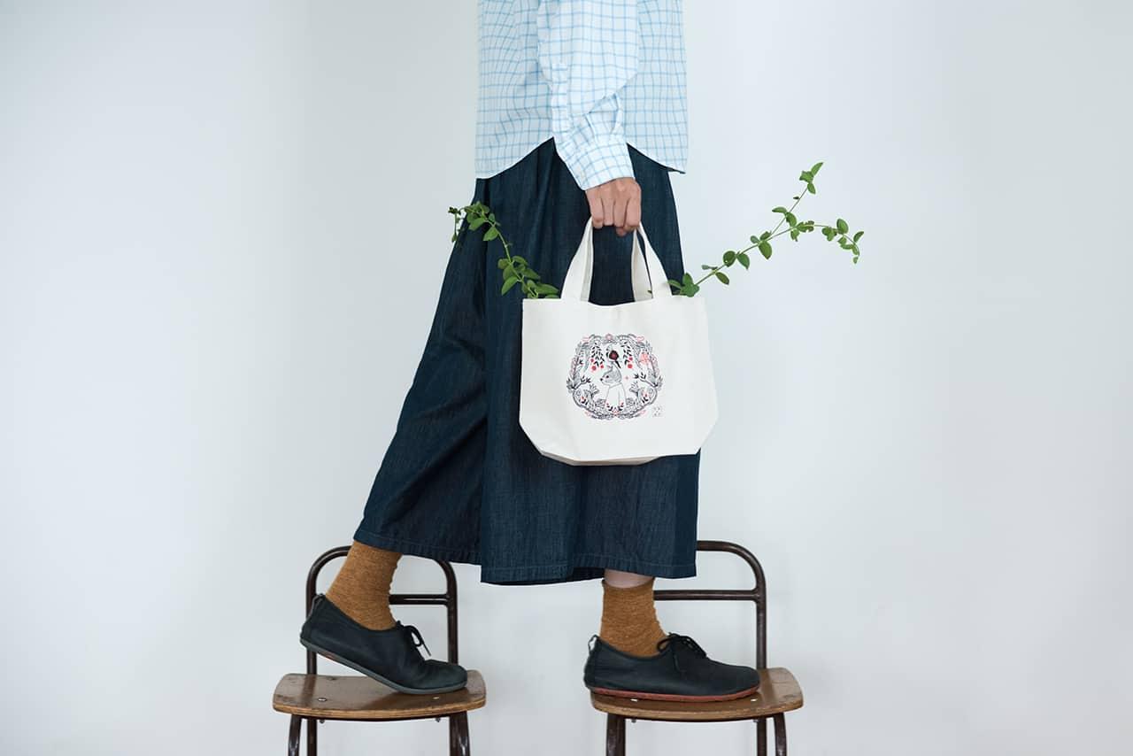 กระเป๋าผ้าที่ออกแบบโดย ฟุคุดะ โทชิยูกิ แบรนด์ TENP