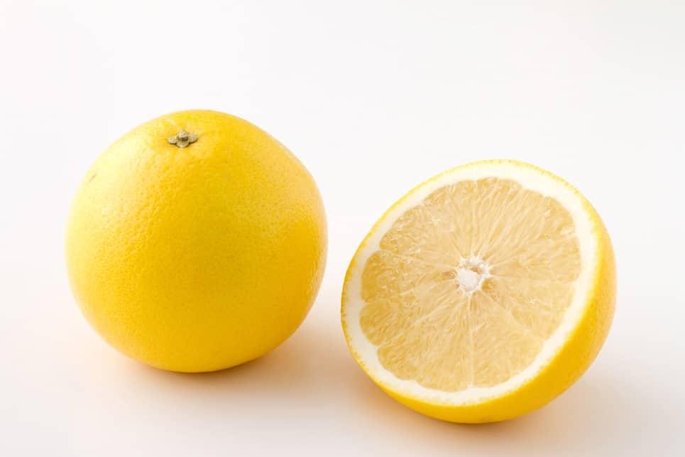 อาหารประจำฤดูใบไม้ผลิของญี่ปุ่น : เกรปฟรุ๊ต (Grapefruit) ผลไม้ตระกูลส้มมีรสเปรี้ยว เป็นผลไม้ประจำฤดูใบไม้ผลิ