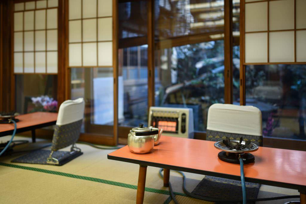 บรรยากาศภายในร้านโยะเนะคิว (Yonekyu) ในย่านอาซากุสะ (Asakusa)