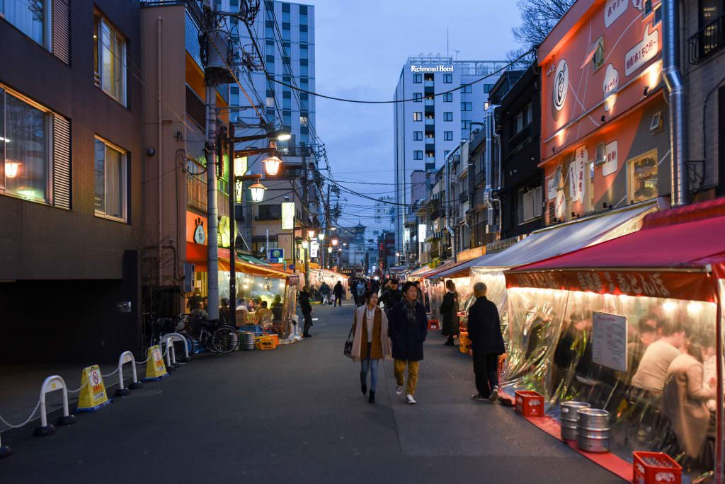 ร้านยะไต (Yatai) ที่ถนนฮ็อปปี้ (Hoppy Street)