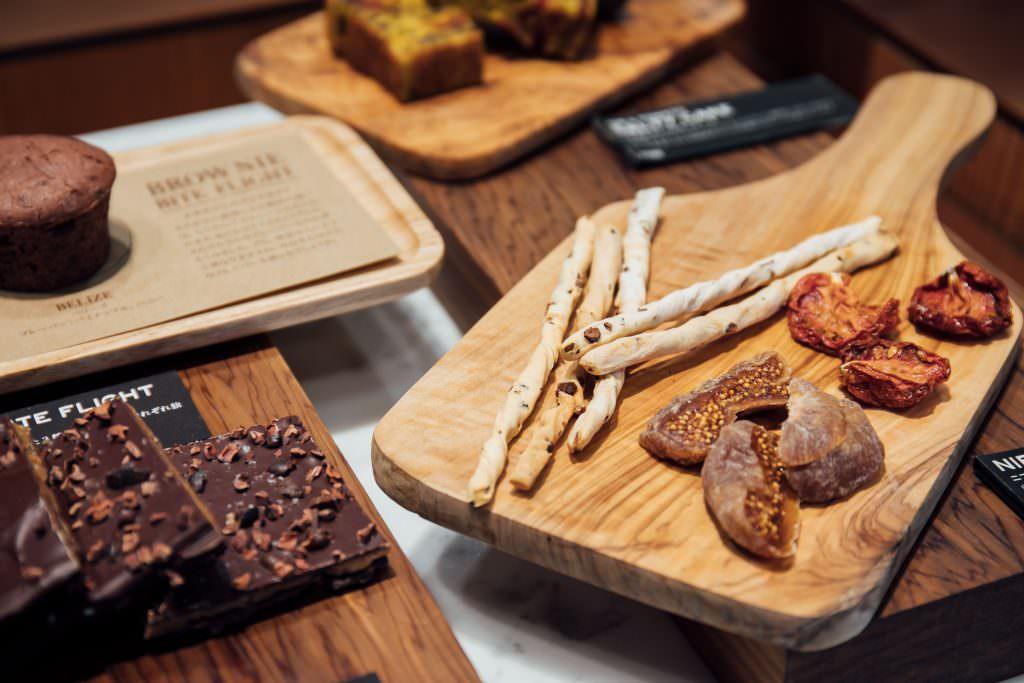 ช็อกโกแลตจากร้าน Dandelion Chocolate ในย่านคุระมะเอะ (Kuramae)
