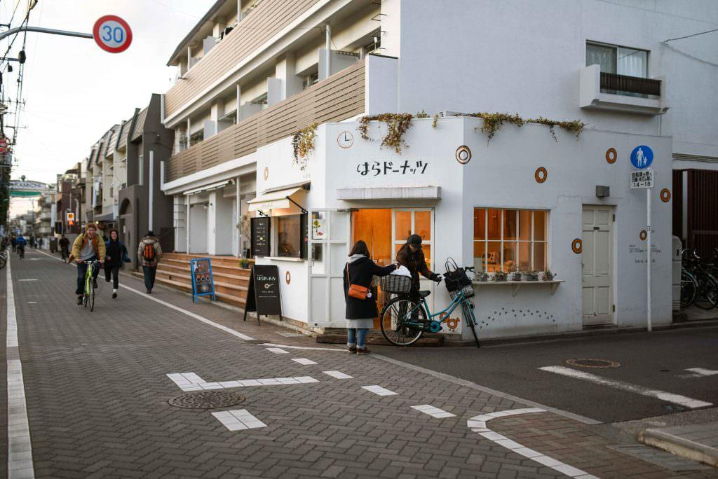 หน้าร้านโดนัท ฮะระ โดนัท (HARA DONUTS) ในย่านคิชิโจจิ (Kichijoji)