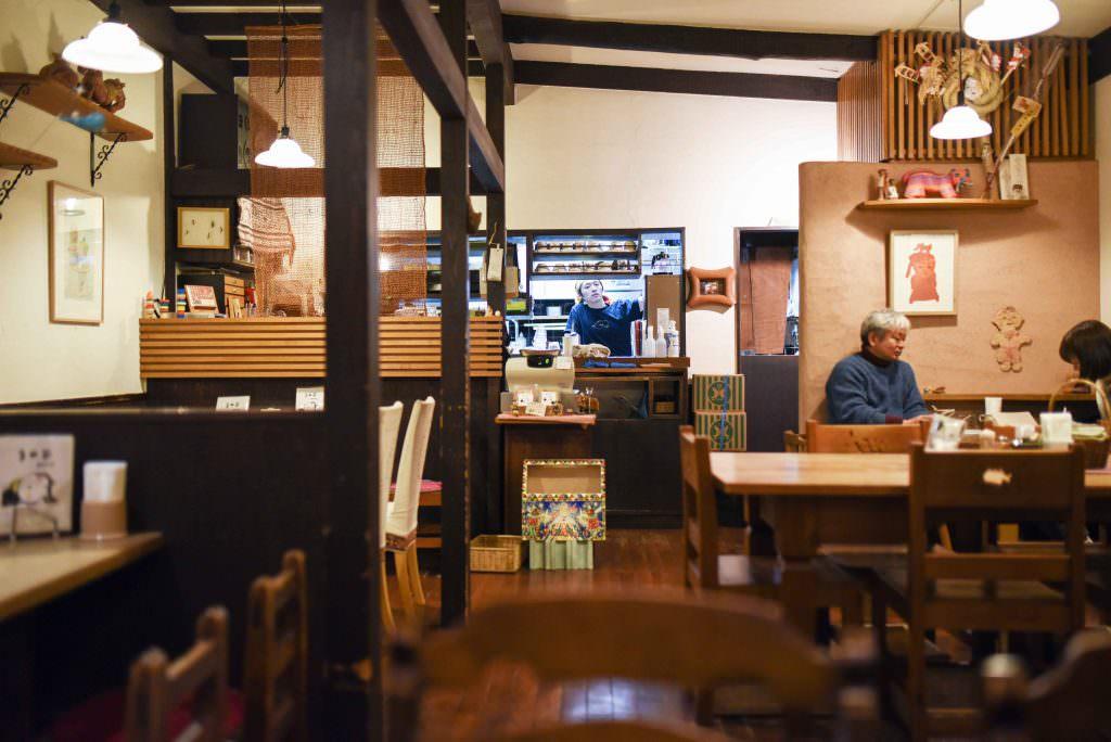 บรรยากาศภายในร้านมะเมะโซ (MAMEZO) ในย่าน คิชิโจจิ (Kichijoji)