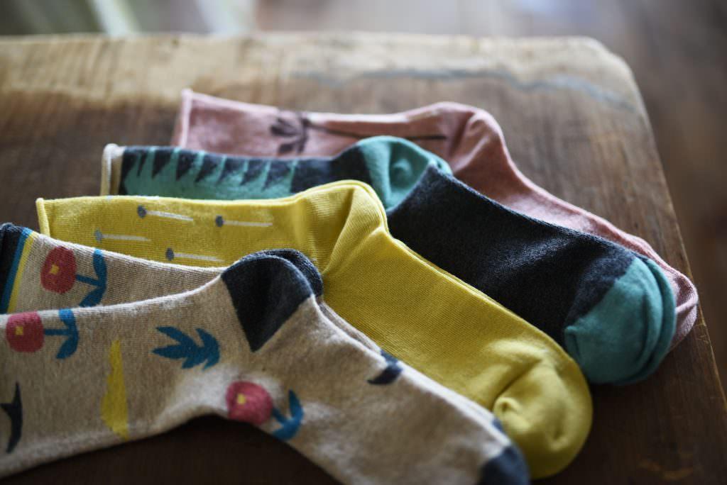 ถุงเท้าที่ผลิตขึ้นมาเองร้าน SALVIA ในย่านคุระมะเอะ (Kuramae)