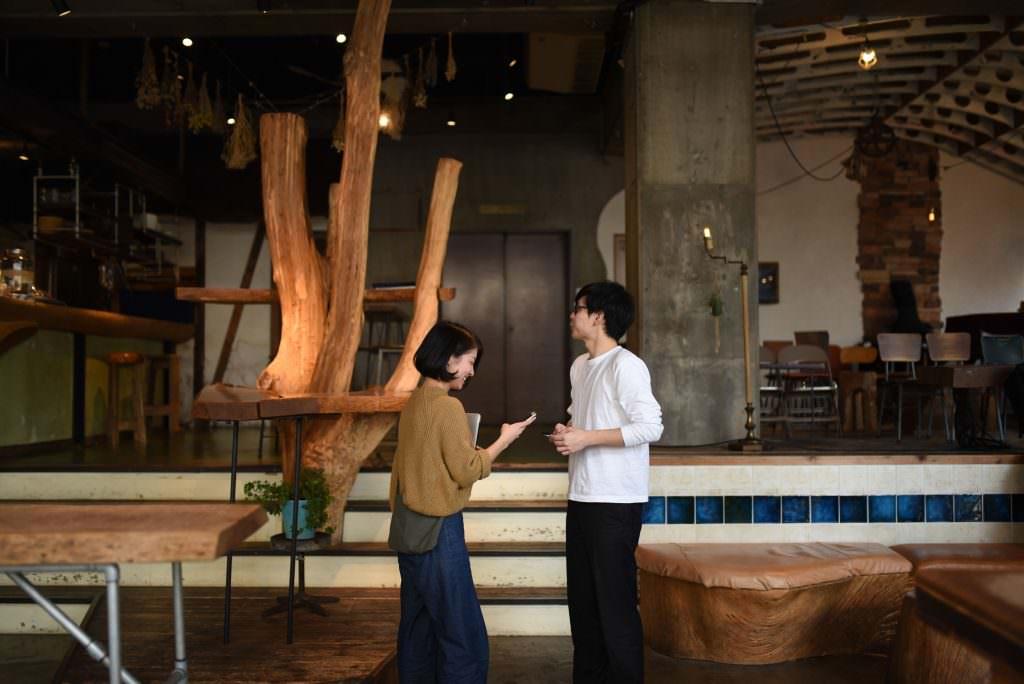 บรรยากาศภายในโฮสเทล Nui. Hostel & Bar Lounge ในย่านคุระมะเอะ (Kuramae)