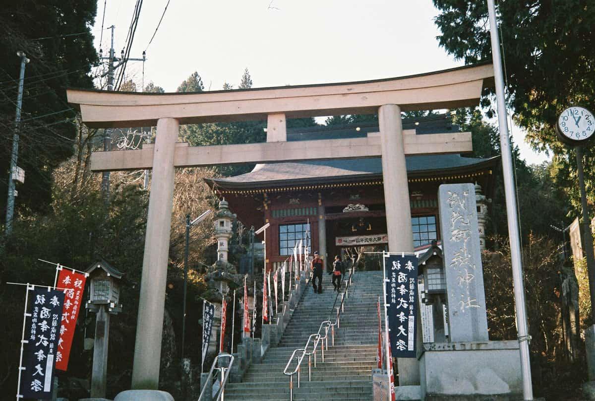 ศาลเจ้ามุซะชิมิตาเกะ (Musashi Mitake Shrine)