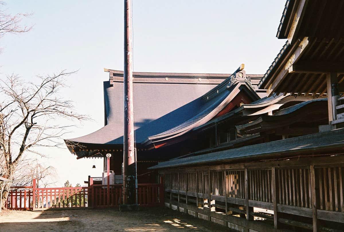 บริเวณรอบๆ ศาลเจ้ามุซะชิมิตาเกะ (Musashi Mitake Shrine)