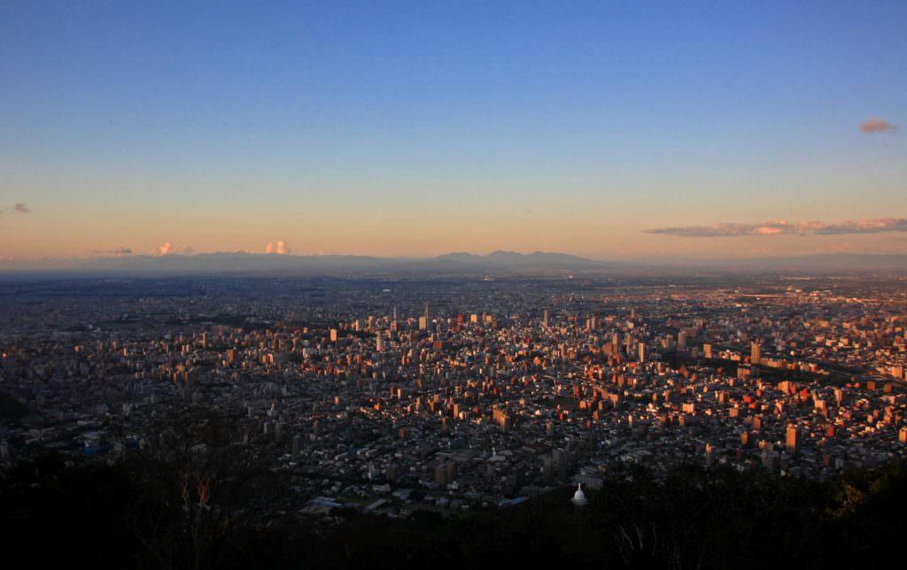 จุดชมวิวบนภูเขาโมะอิวะ (MT.MOIWA)