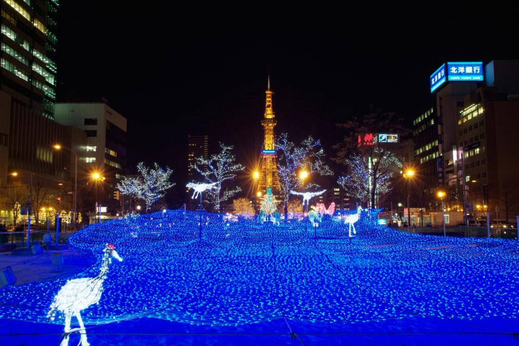 Sapporo TV Tower ในตอนกลางคืน
