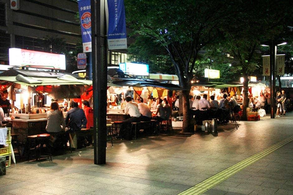 ร้านยะไต (Yatai) ที่จังหวัดฟุกุโอกะ (Fukuoka)