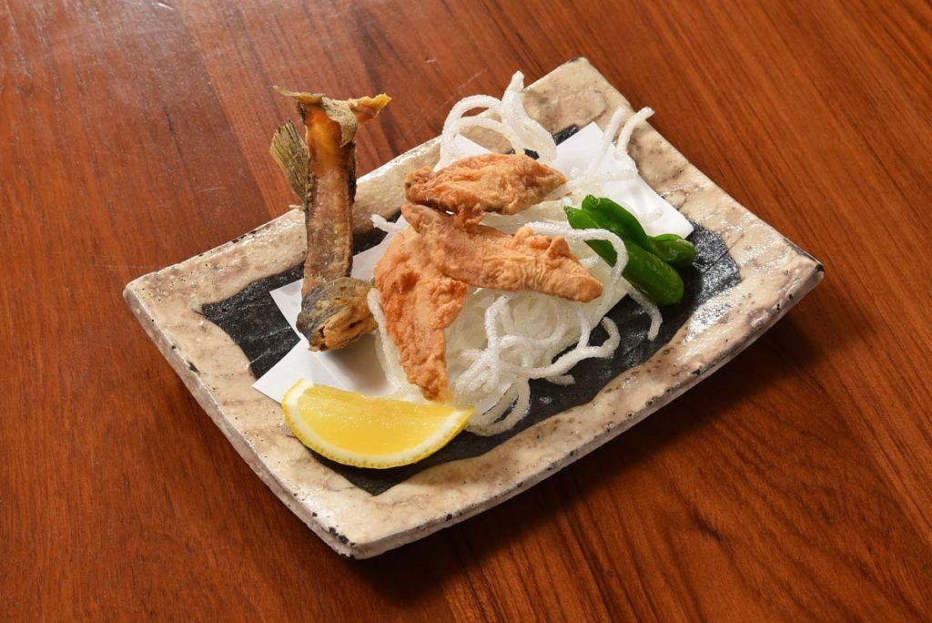 ปลาอะยุทอด (Ayu) ที่ร้าน Tensui
