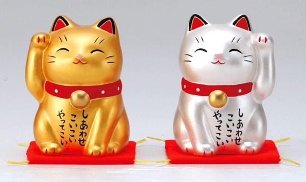 แมวกวัก (招き猫:Maneki Neko)