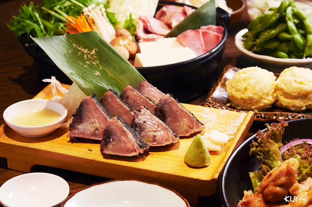 วาระยากิ ปลาคัตสึโอะย่างไฟจากร้าน Hachikin กลิ่นหอม เกรียมนอก แรร์ใน นำเข้าปากแต่ละคำก็สัมผัสได้ถึงรสหวานอร่อย