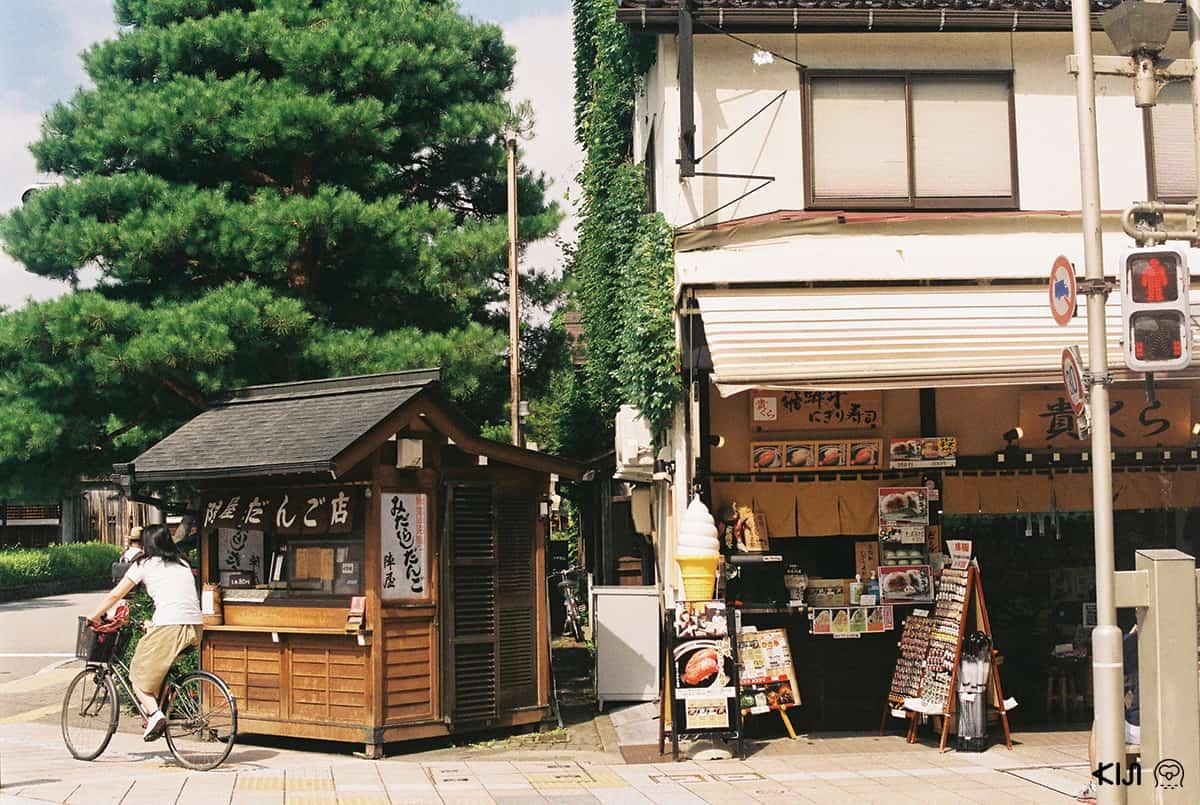 ร้านรวงต่างๆ ที่ถนนซันโนะมาจิ Takayama