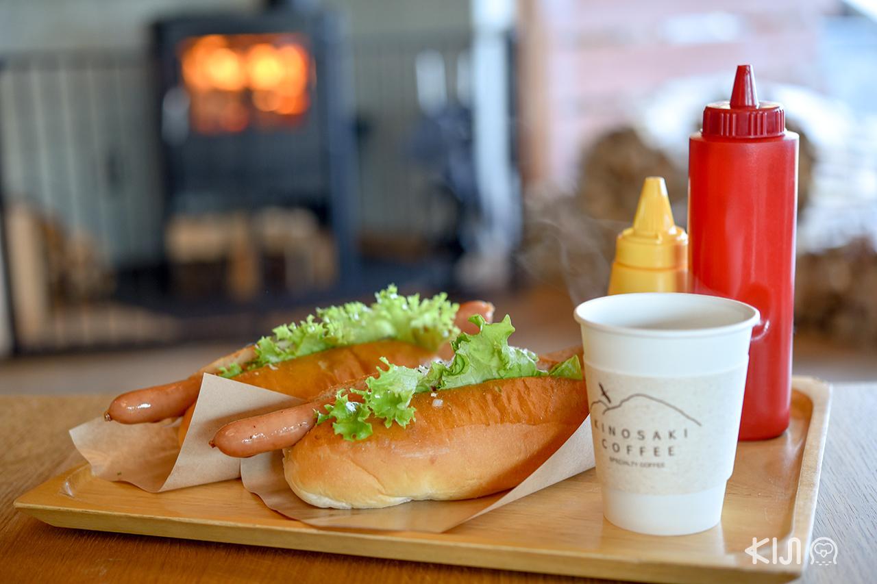อาหารและเครื่องดื่มของคาเฟ่ที่จุดชมวิว คิโนะซากิ