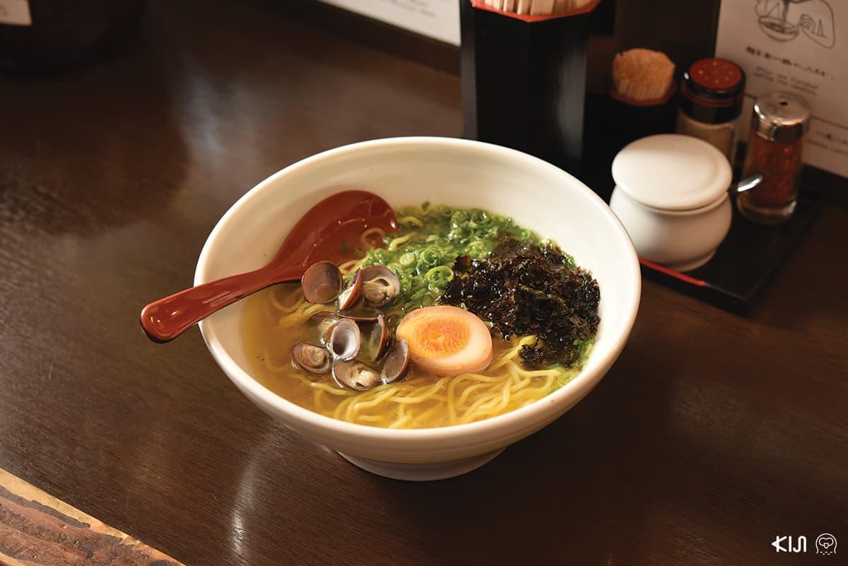 ร้าน SHIMIJIMI HONTEN : มิโซะราเมนหอยชิจิมิ 850 เยน เมนูขายดีอันดับ 1 ของร้าน