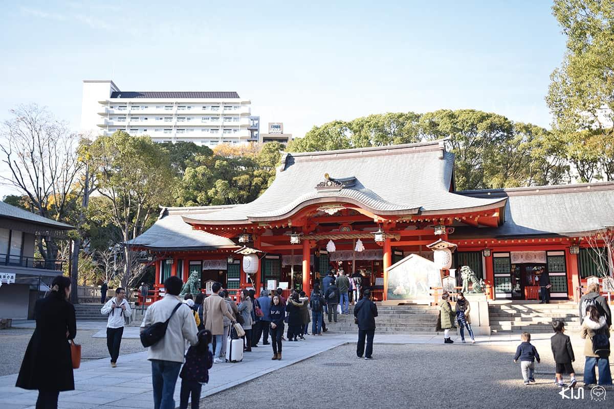 ศาลเจ้าอิคุตะ (Ikuta) เป็นศาลเจ้าโบราณอายุกว่า 1,800 ปี ของเมืองโกเบ (Kobe)