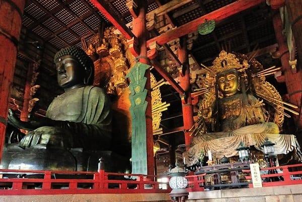 บริเวณวิหารไดบุทสึ เด็น ซึ่งเป็นที่ประดิษฐานขององค์พระประธานหลวงพ่อไดบุทสึ (Daibutsu)