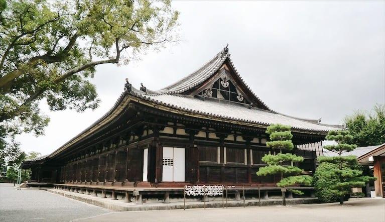 วัดในประเทศญี่ปุ่น : วัดซันจูซันเก็นโด (Sanjūsangen-dō Temple)