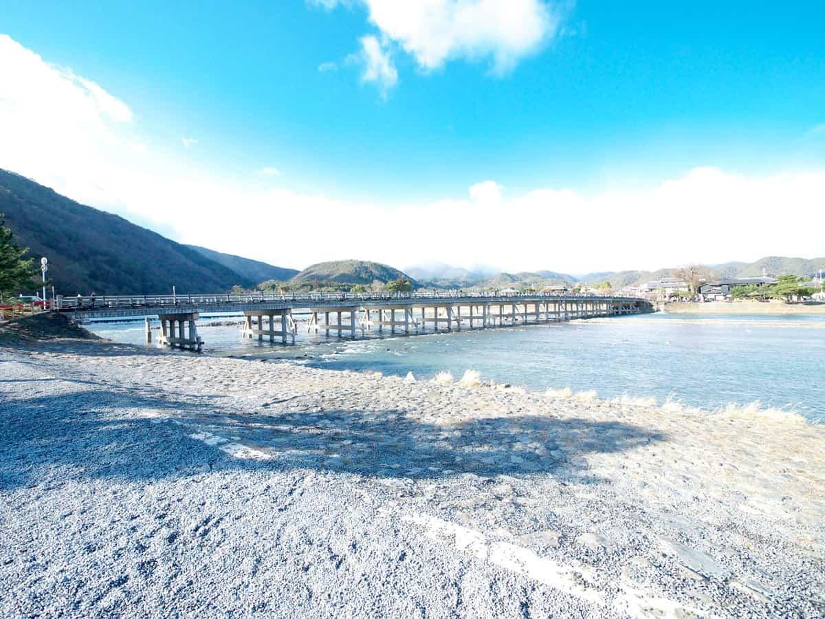 """ถ่ายรูปกับ """"สะพานข้ามจันทร์"""" กันที่ Arashiyama"""