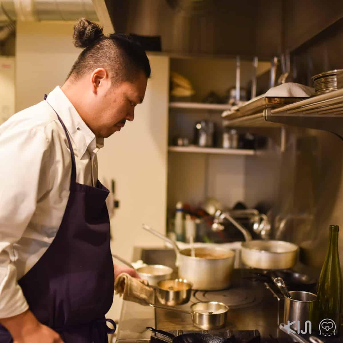 ฮิโระโนะริ ซาโต้' (Hironori Sato) ผู้เป็นทั้งเชฟและเจ้าของร้าน Méli Mélo