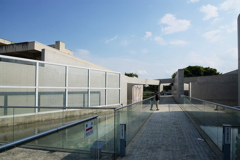 ทางเข้า Kyoto Garden of Fine Arts จากถนนด้านหน้า