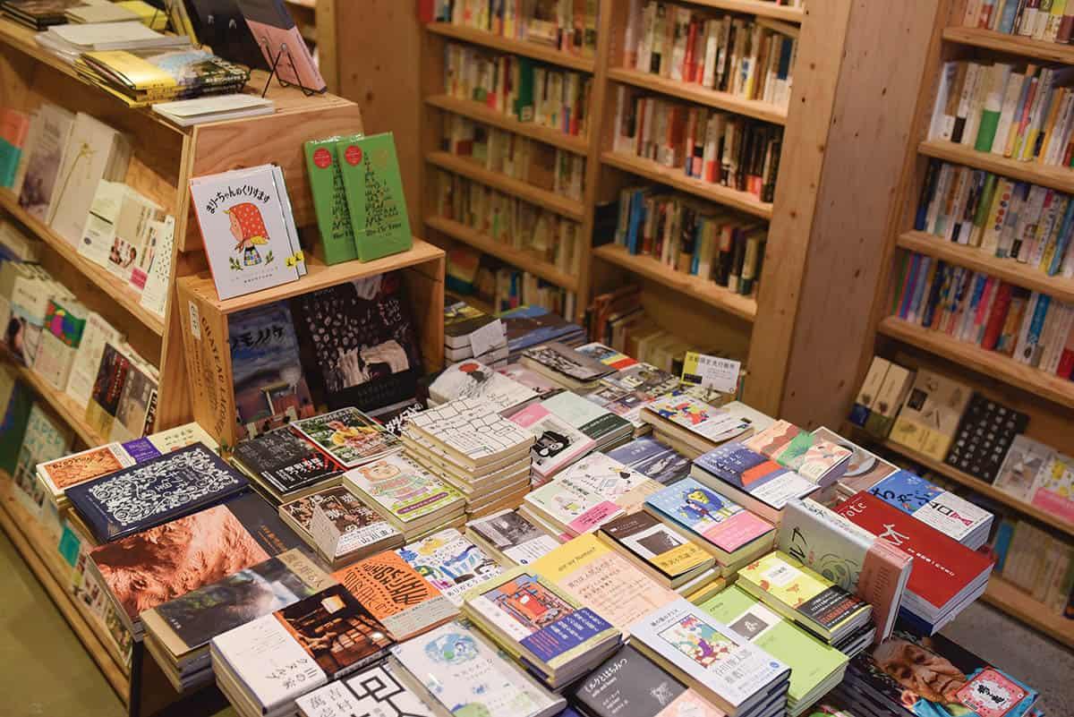 หนังสือภายในร้าน Seikosha