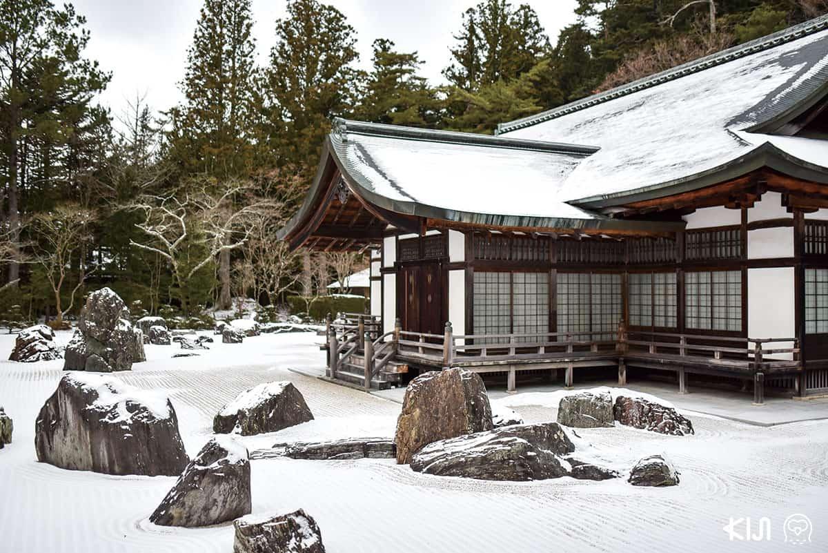 วัดที่โคยะซัง (Koyasan) ในฤดูหนาว