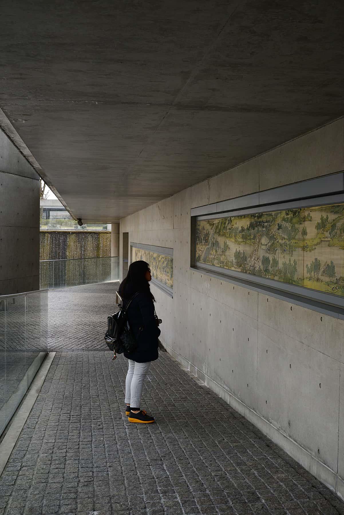 เดินชมงานศิลปะที่สวนศิลป์