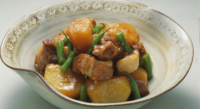 อาหารญี่ปุ่นในชีวิตประจำวัน : เนื้อต้มมันฝรั่ง (肉じゃが : นิ-คุ-จะ-กะ)