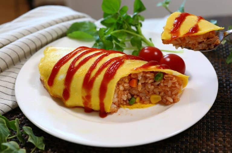 อาหารญี่ปุ่นในชีวิตประจำวัน : ข้าวห่อไข่ ( オムライス: โอ-มุ-ไร-สุ)