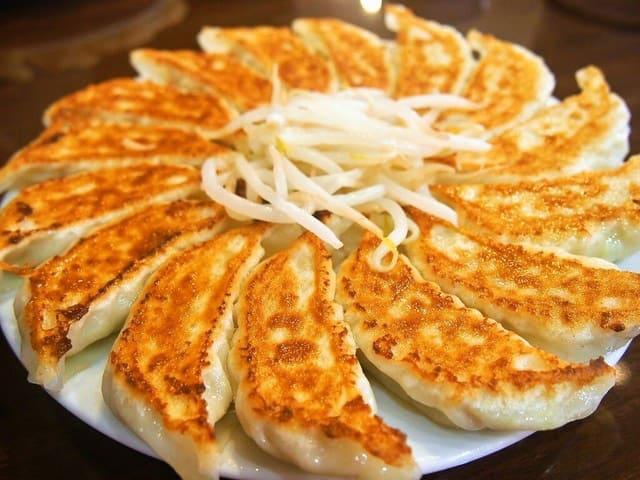 อาหารญี่ปุ่นในชีวิตประจำวัน : เกี๊ยวซ่า (餃子: เกียว-ซะ)