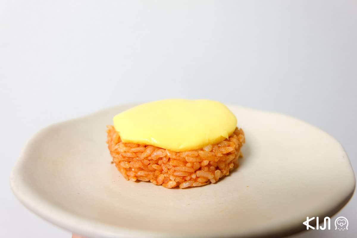 โอนิกิริสไตล์ข้าวห่อไข่ Omu Rice