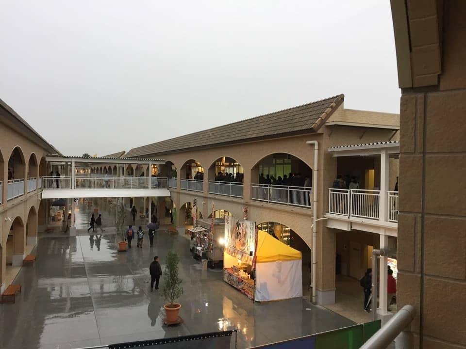 ที่ Oarai Seaside Station ก็มีตลาดในร่ม (เหมือนซูเปอร์มาร์เก็ต) คอยให้บริการ