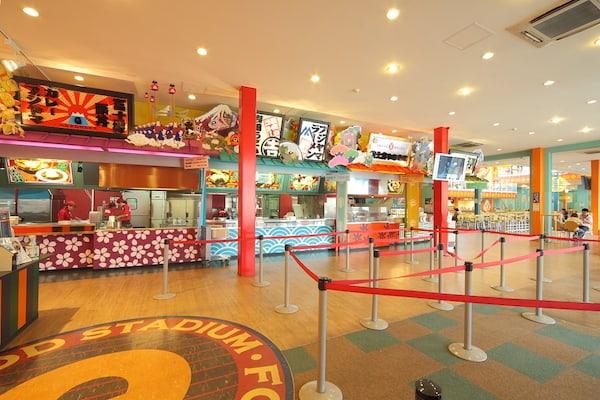 ร้านอาหารภายในสวนสนุกที่สามารถเข้ามากินได้โดยไม่ต้องซื้อตั๋วผ่านประตูอีกต่อไป