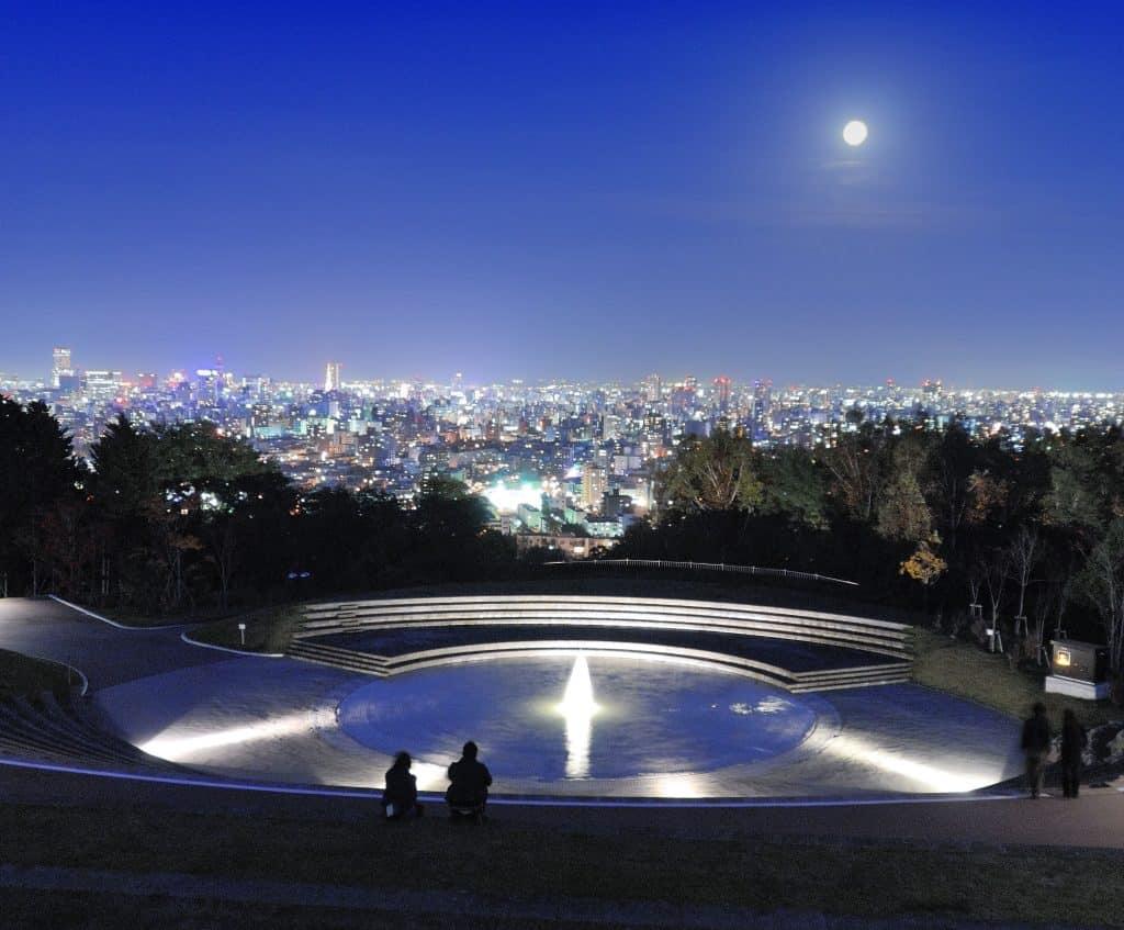 Photogenic Night View Tour พาไปชมสวนอนุสรณ์อาซาฮียามะ (Asahiyama Memorial Park)