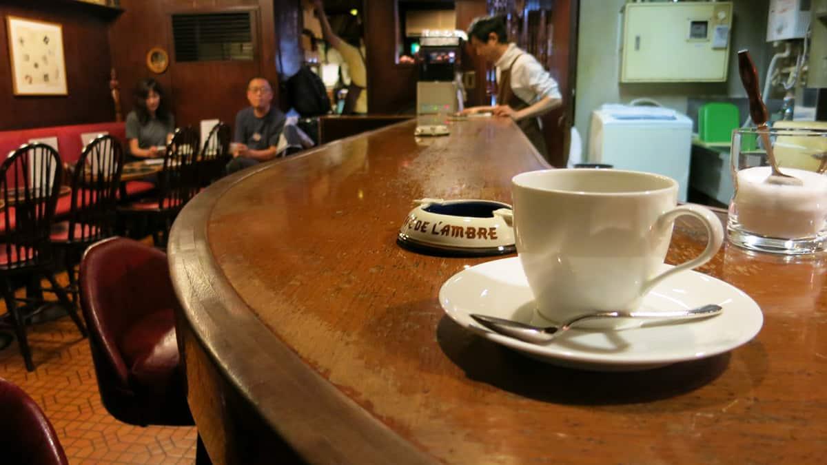 บรรยากาศภายในร้าน Café De L'ambre