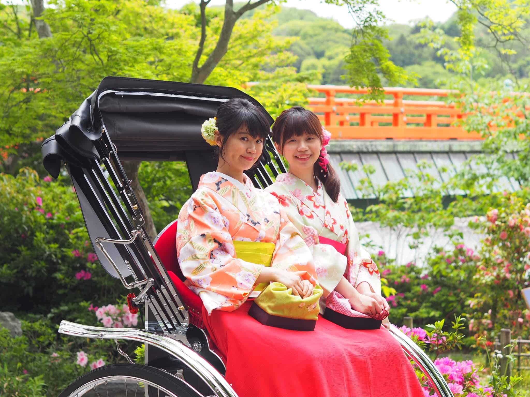 เช่ากิโมโนถ่ายรูปสวยๆ กับรถลากที่เมืองอุจิ (Ujibashi)