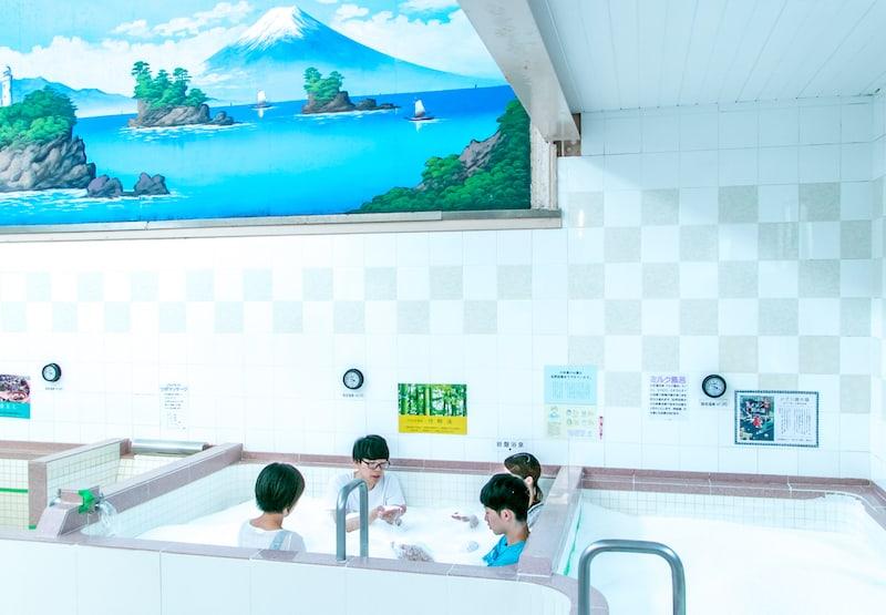 Idobata Art in Kosugiyu