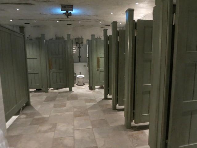 ห้องน้ำภายในโซน Harry Potter