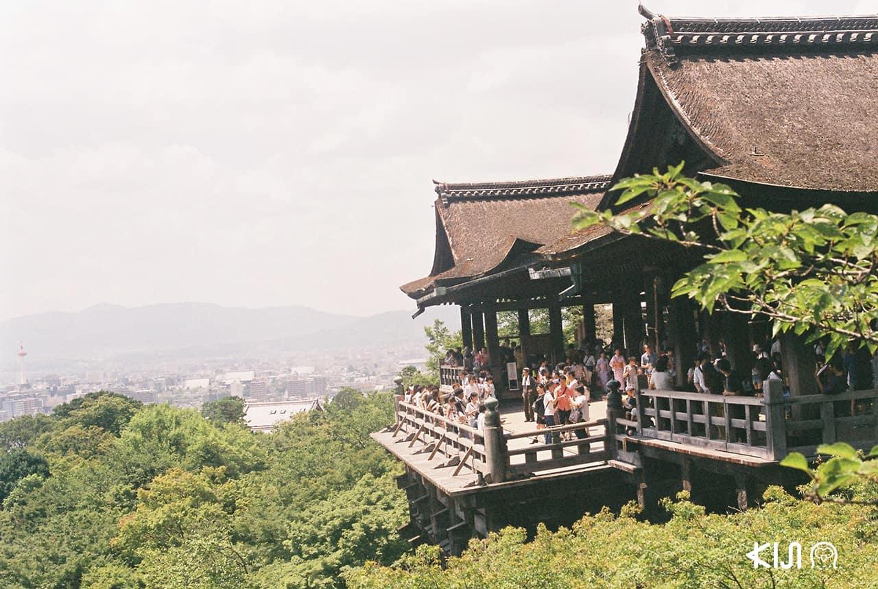 วัด Kiyomizu-dera ที่จังหวัดเกียวโต