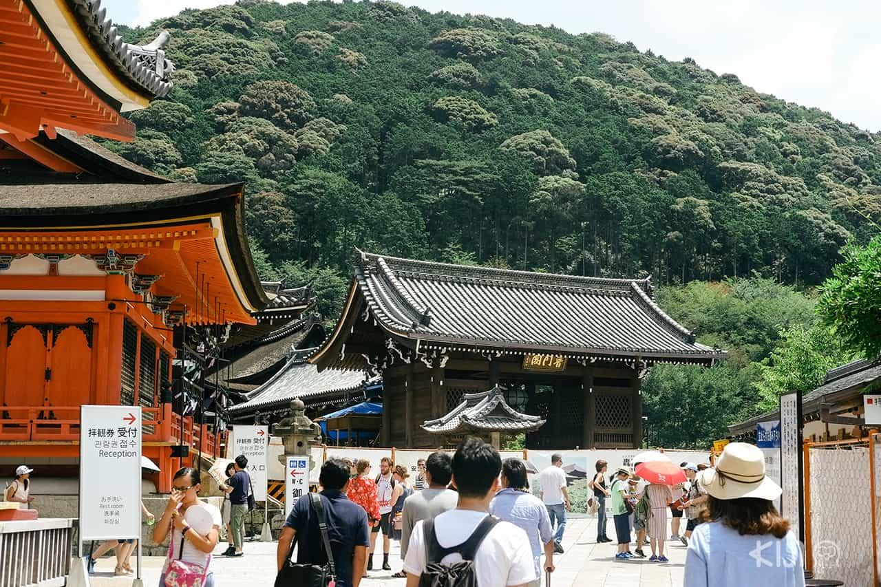 วัด Kiyomizu-dera หรือที่คนไทยเรียกกันว่า 'วัดน้ำใส'