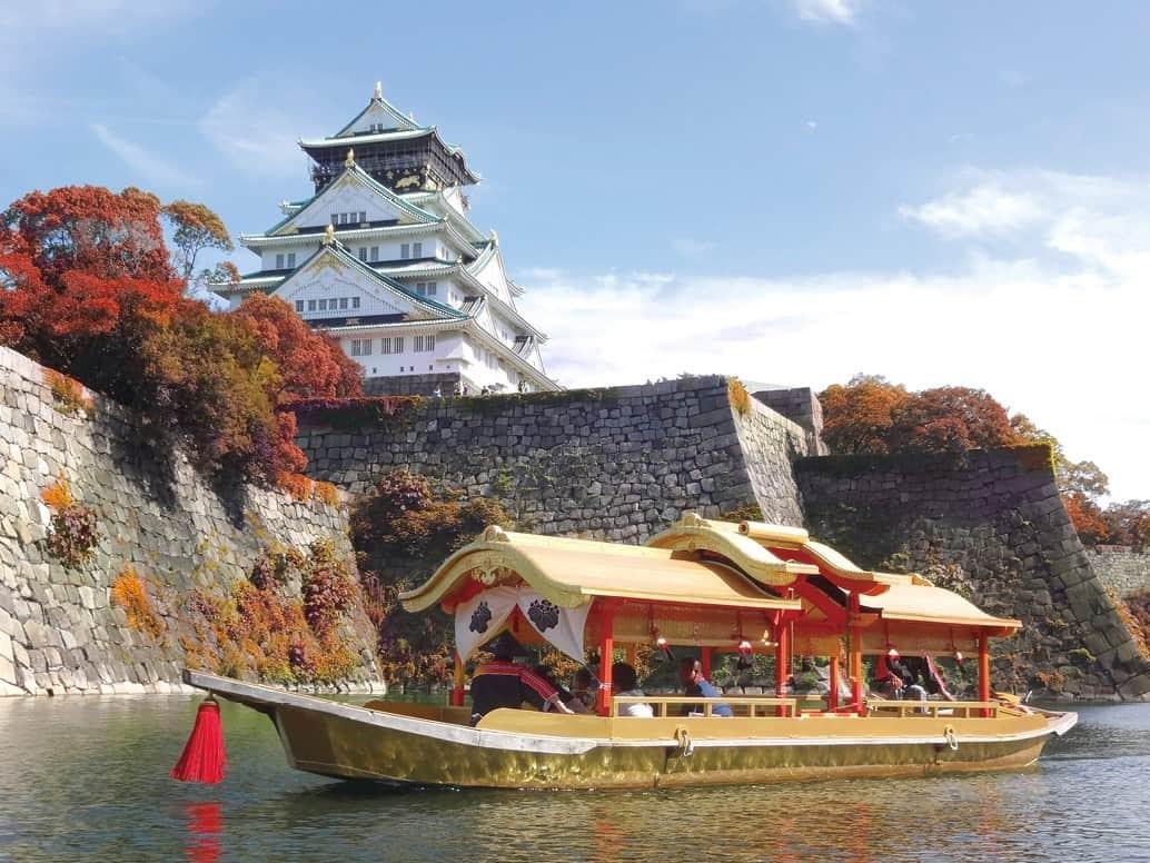 วิธีไปโอซาก้า (Osaka : 大阪) - เรือนำเที่ยวสีทองที่พาเลาะคลองรอบปราสาทโอซาก้า (Osaka Castle)