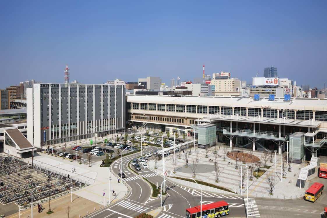 โรงแรม Hotel METS Niigata อยู่ติดกับสถานีนีงาตะ